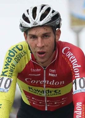 Diether Sweeck wint GP Hasselt bij de beloften.