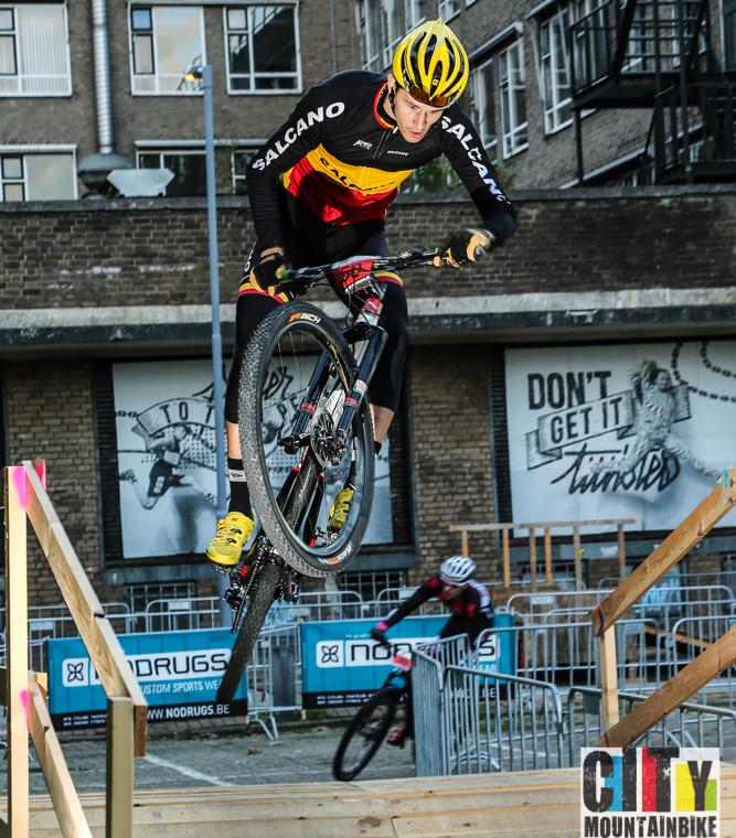 Herbeleef de City Mountainbike in Rotterdam