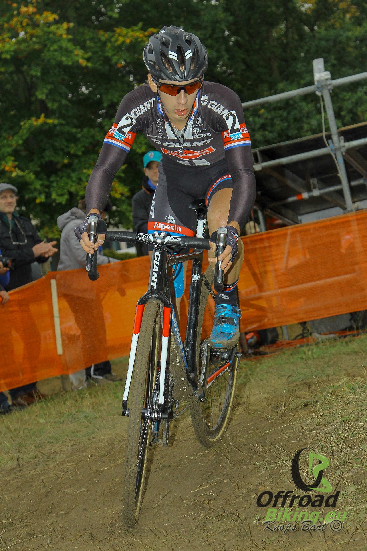 Lars van der Haar wint Niels Albert Cross in Boom
