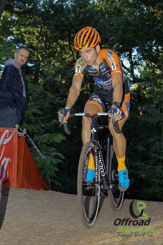 Wout Van Aert wint de Poldercross