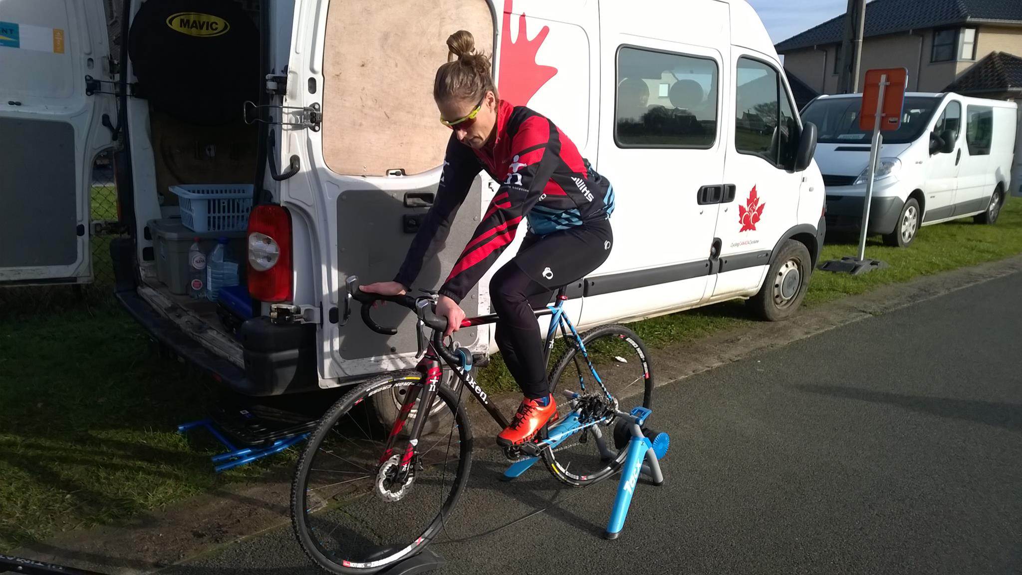 Mical Dijck : Canadian woman cyclist schredding her Belgian trip this year.