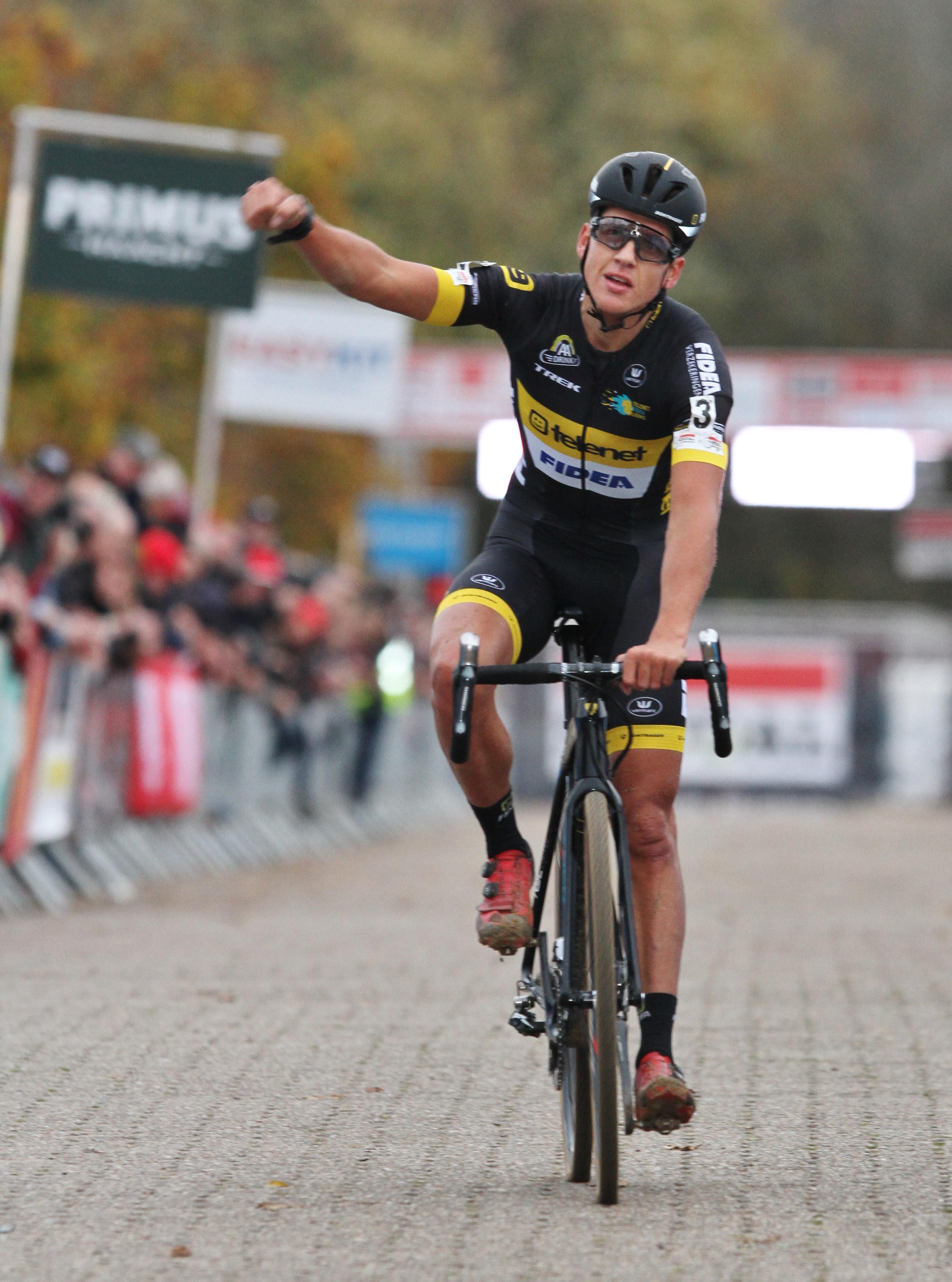 Tom Meeusen wint Waaslandcross in Sint-Niklaas