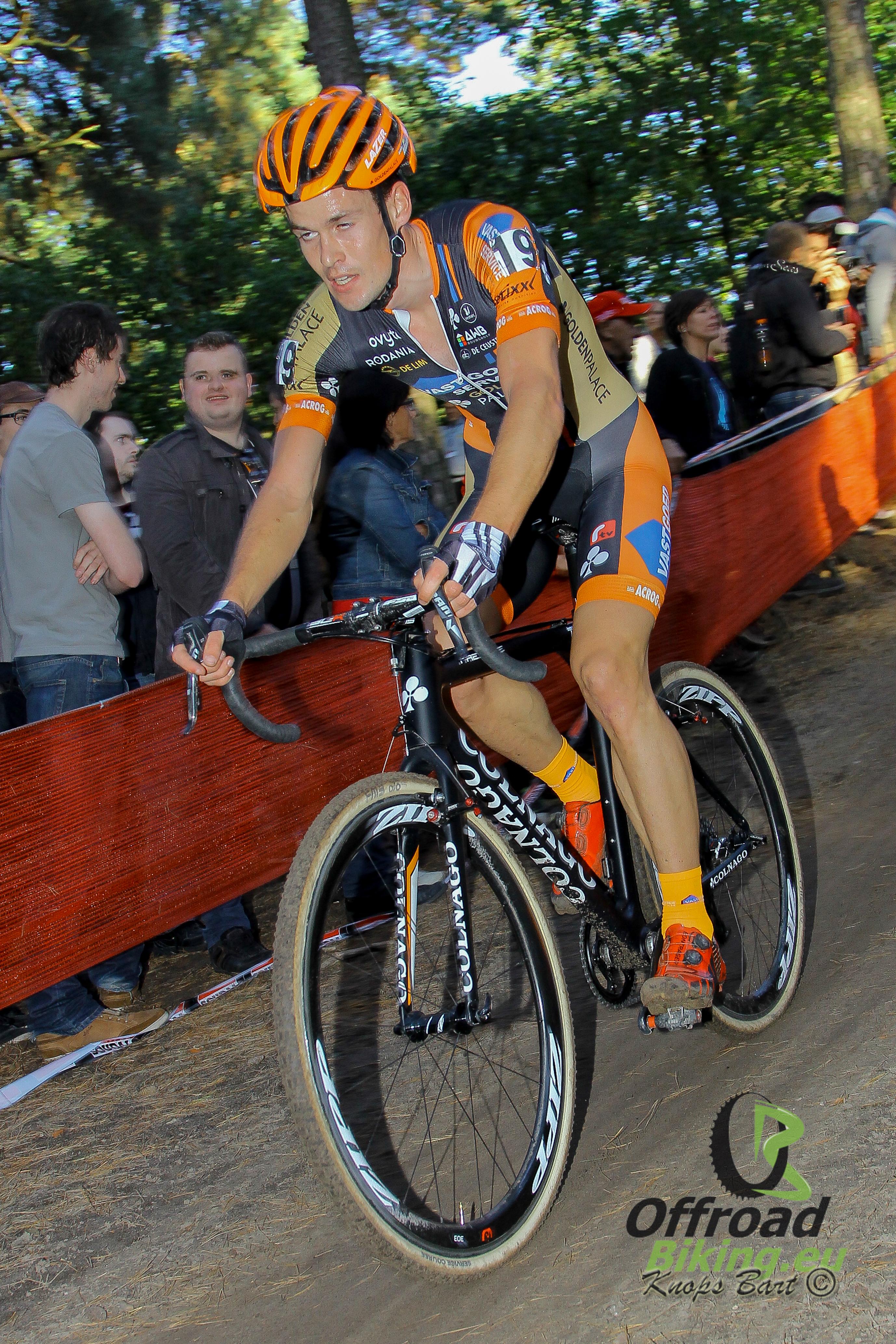 Profcontract Joeri Adams bij Kalas H.Essers-NNOF Cycling Team