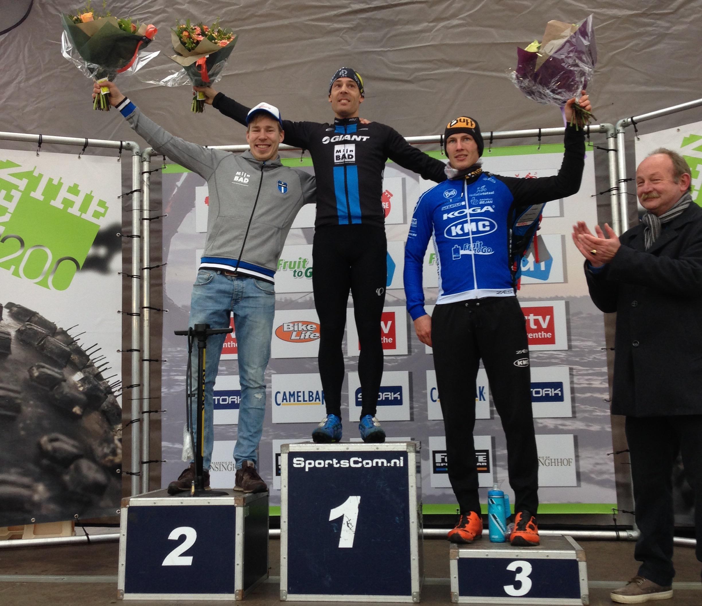 Bas Peters wint, Gerrit Mos derde in Drenthe 200