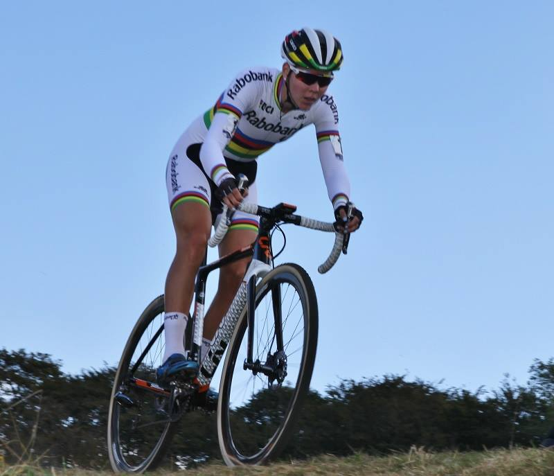 Thalita De Jong wint in Bredene