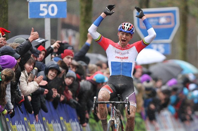 Mathieu van der Poel pakt 18e overwinning in Lille
