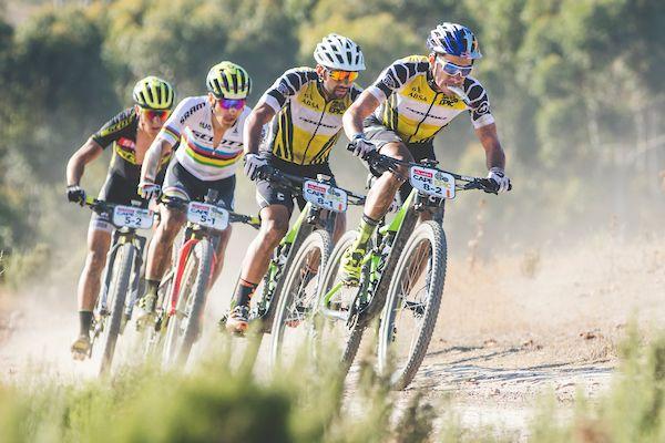 Sauser-Kulhavy winnen ingekorte tweede rit in Cape Epic, Claes-Carabin in top-tien