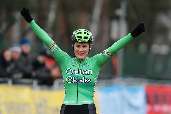Loes Sels wint Soudal cyclocross Leuven