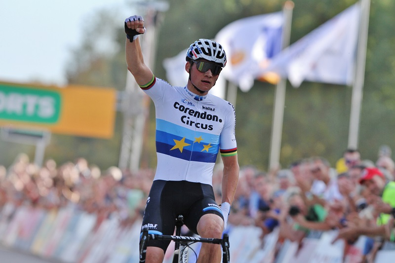 Mathieu van der Poel wint ondanks blessure in Superprestige Gieten