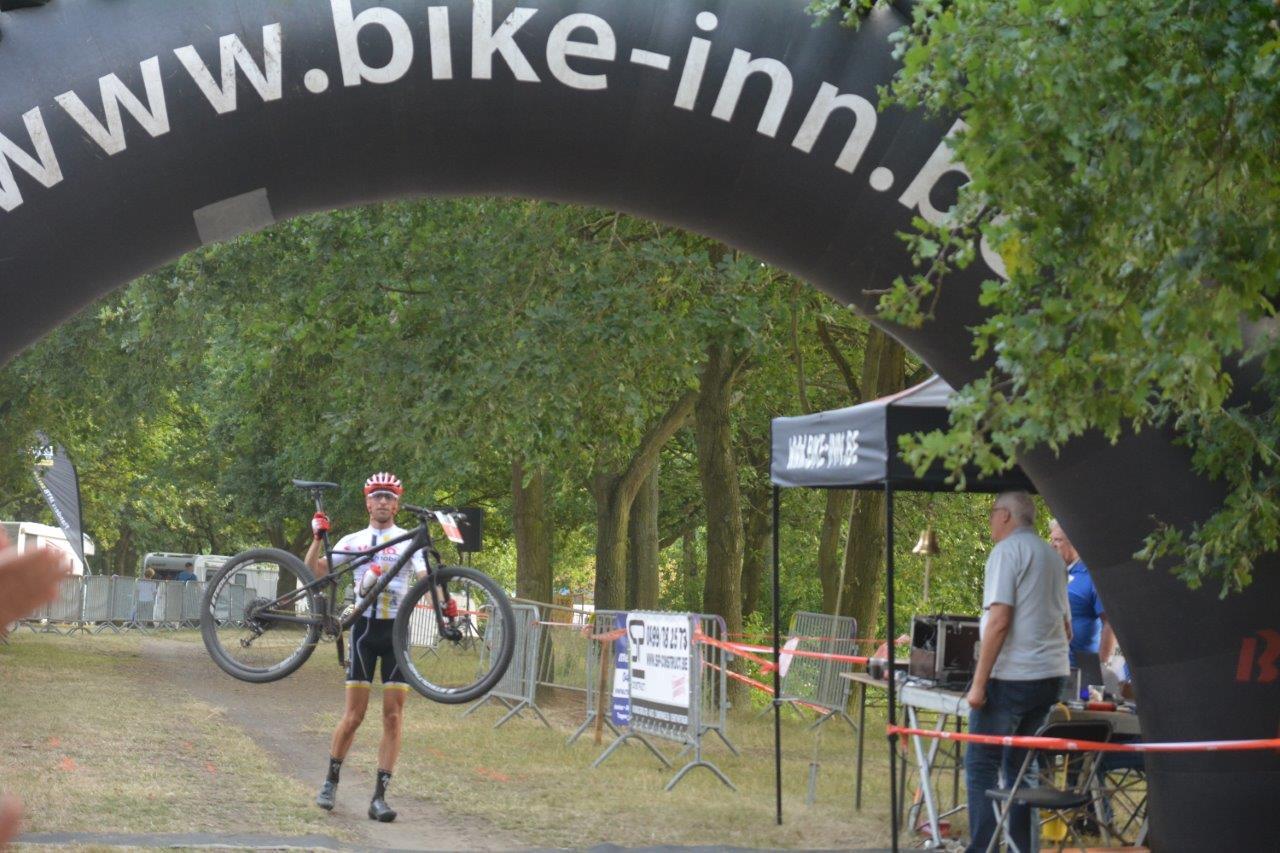 4 Podiumplaatsen voor de renners van Vanomobil MTB Cycling
