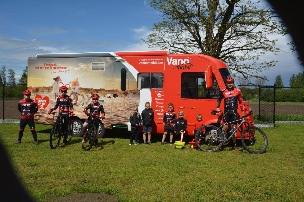 Kids training Vanomobil MTB Cycling Team