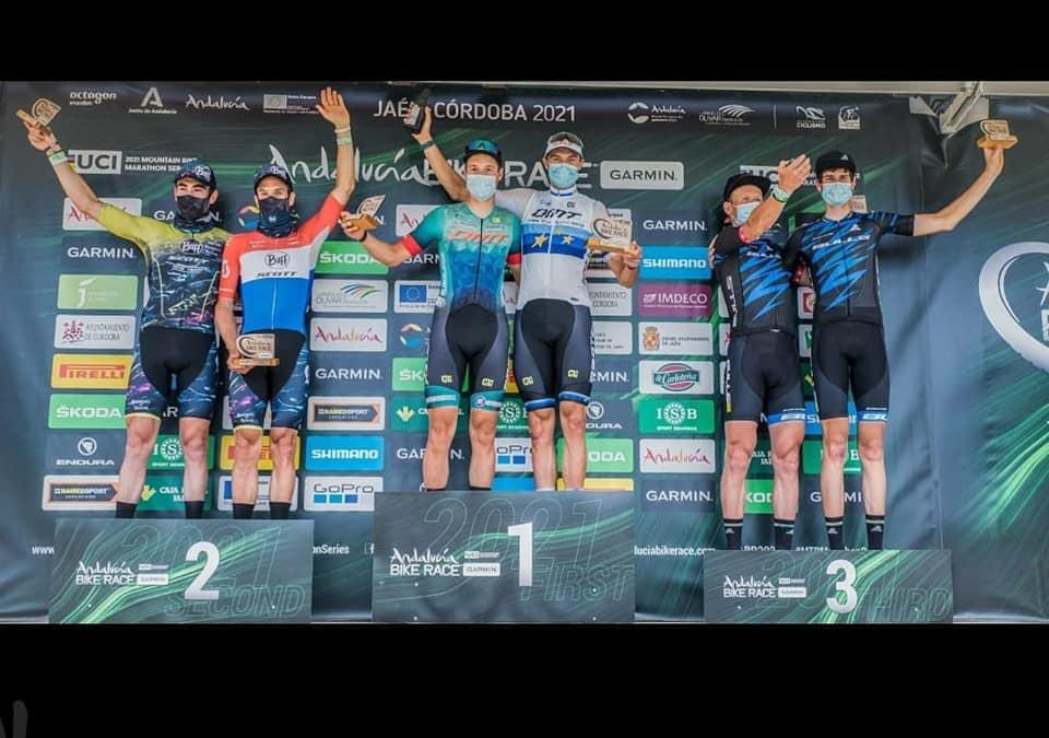 Schneller-Huber en Schneider-Hovdenak winnen Andalucia Bike Race. Wout Alleman en Tiago Ferreira zegevieren in laatste rit