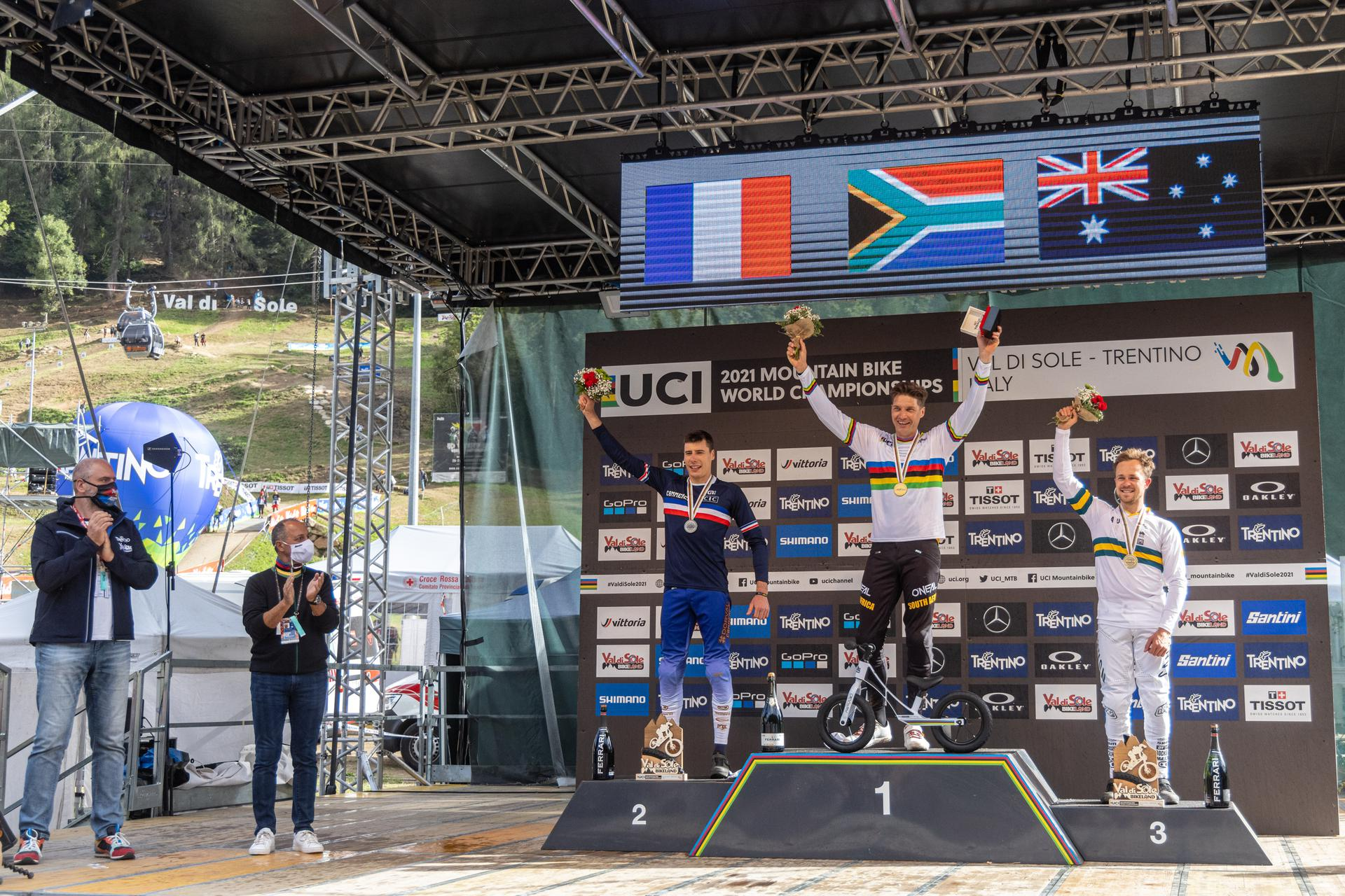 Greg Minnaar pakt vierde wereldtitel in downhill in Val di Sole